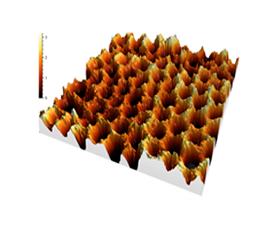 Puits quantique semiconducteur III-V à structuration alvéolaire pour l'élaboration de matériaux quantiques